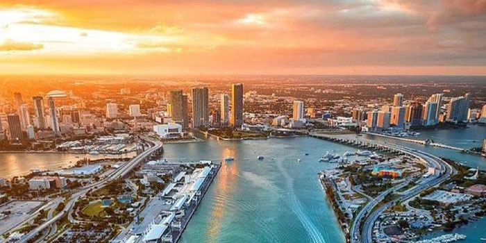 Chasing the Sunrise – Electronic Music In Miami Image