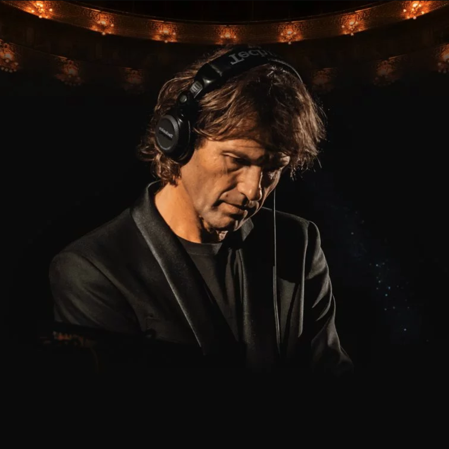 Hernan Cattaneo presents Connected Image