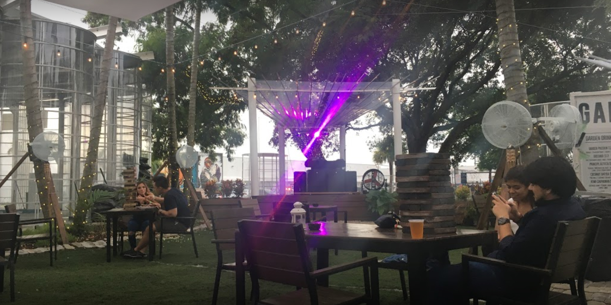 Garden Food and Bar Image